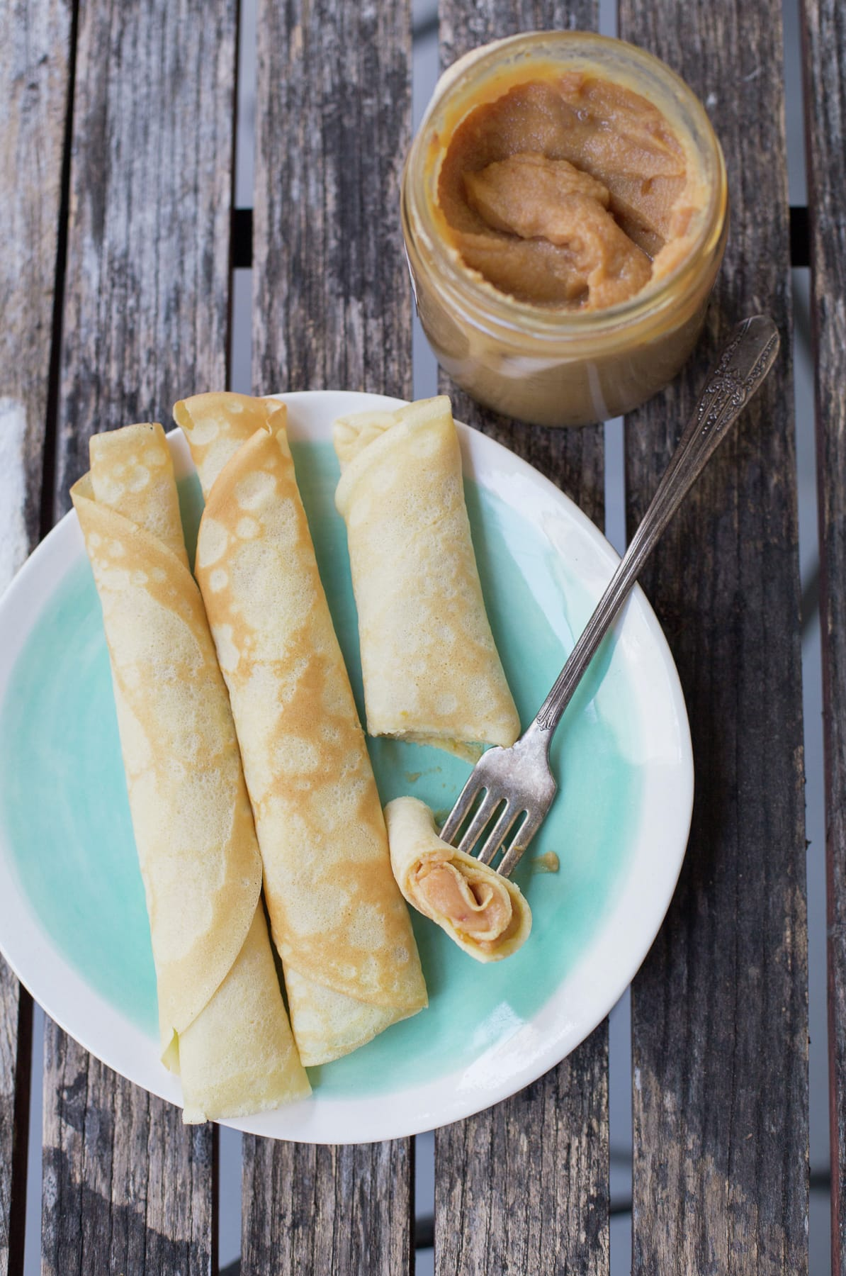 Chilean crepes with Dulce de Leche