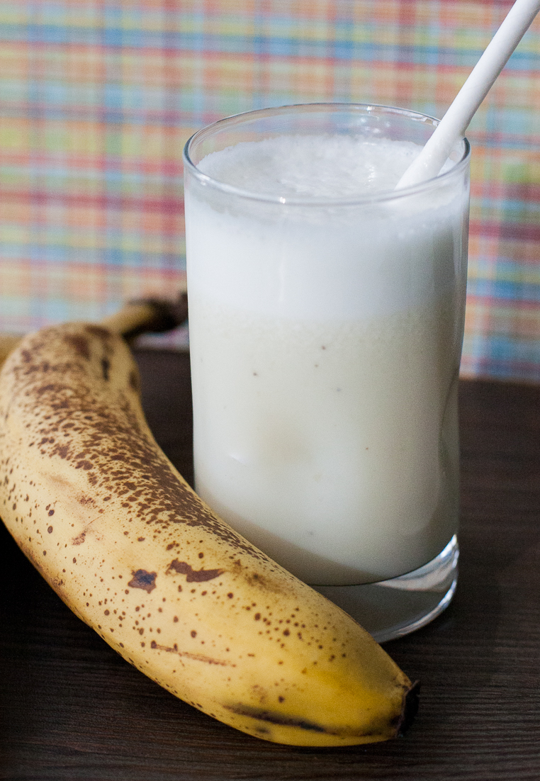 Milk with bananas, Chilean smoothie