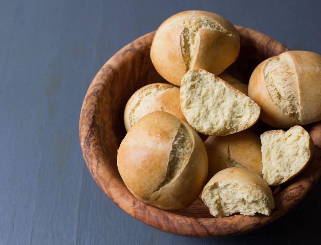 Sweet Egg Bread Rolls (Pan de Huevo)