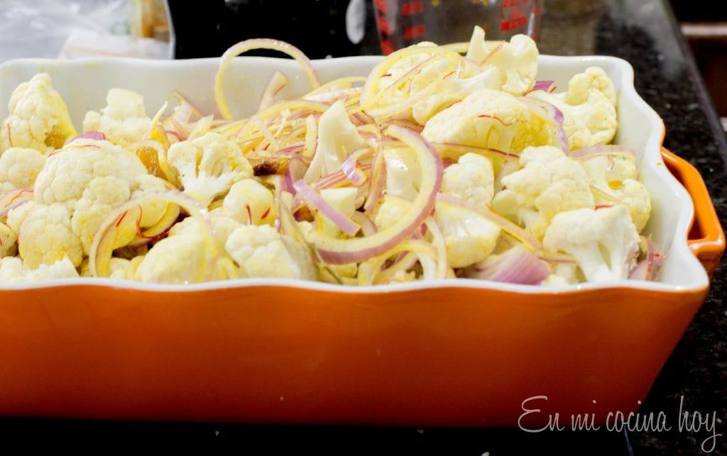Ensalada de coliflor, azafrán y pasas