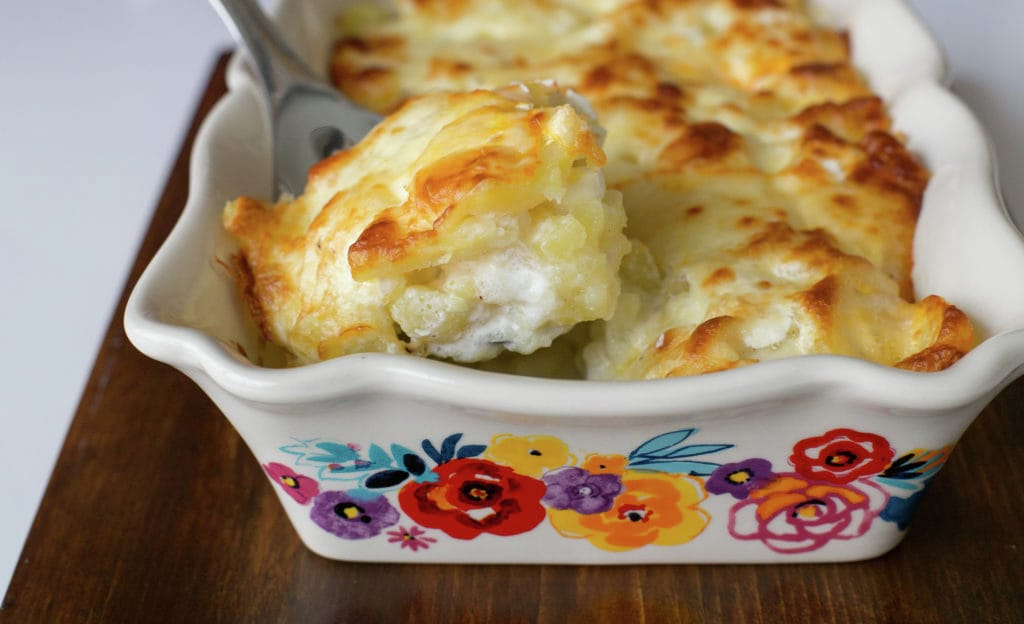 Scalloped Potatoes in White Sauce