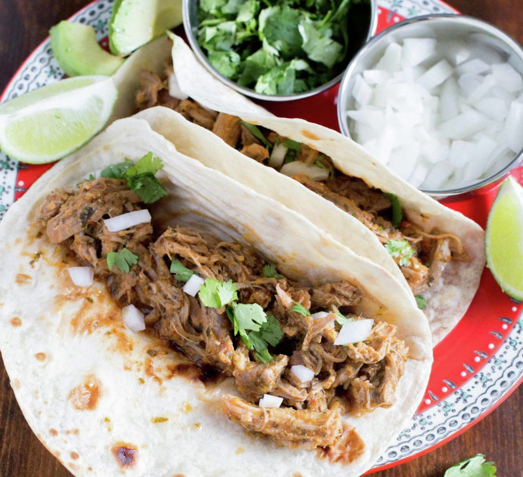Tacos de puerco en salsa chipotle